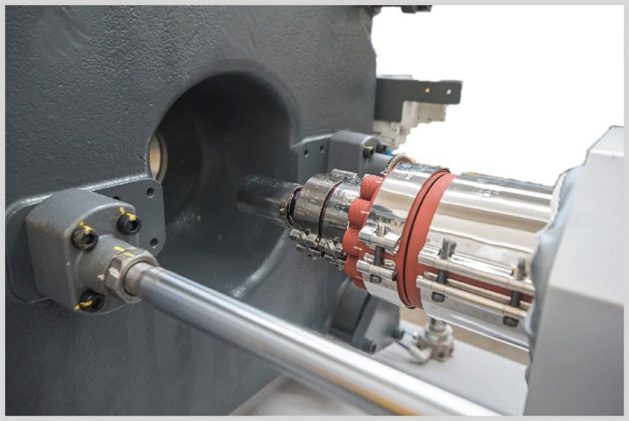 Equipaggiamento di serie:- Cilindro bimetallico N2000F - Vite antiusura LSP2 - Coibentazione resistenze